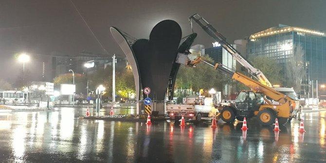 Kızılay Meydanı'ndaki lale heykeli kaldırıldı