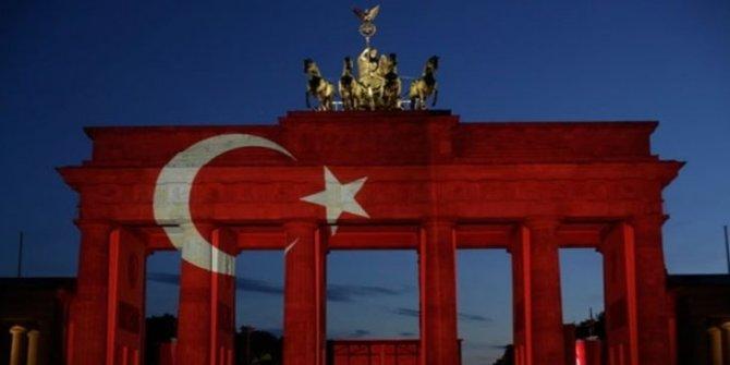 SZ: Şimdi Almanya Türkiye'ye el uzatmalı