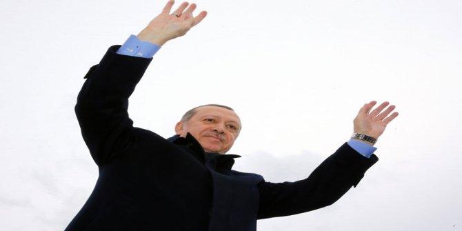 Erdoğan gözünü okullara dikti: Ak Parti bayrağını üniversitede, liselerde dalgalandırmaya hazır mıyız?