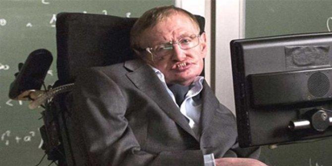 76 yaşındaki dünyaca ünlü İngiliz fizikçi Stephen Hawkings hayatını kaybetti