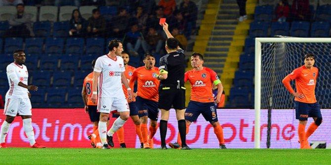 Başakşehir'de Mossoro, Sivasspor maçında kırmızı kart gördü!