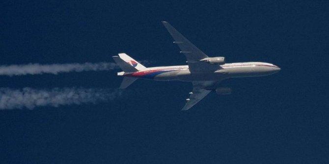 Kayıp uçakla ilgili korkunç iddia: Yolcular kabinde öldürüldü