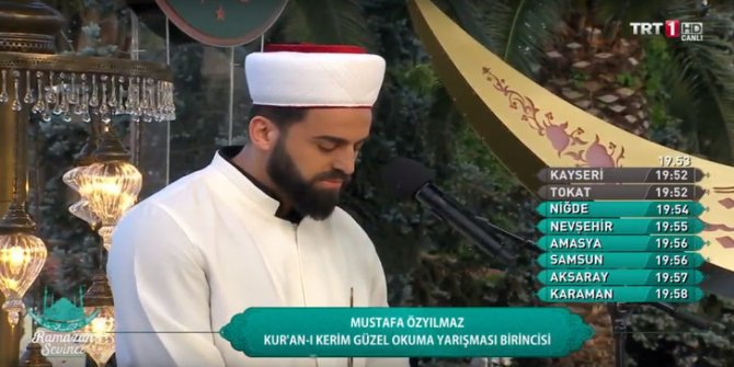 TRT'de Kur'an okuyan Mustafa Özyılmaz'ın kaşları olay oldu