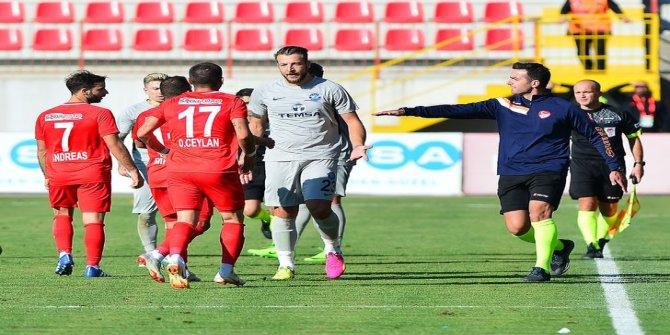 Adana Demirspor'Da Batuhan Karadeniz ve Murat Akın kadro dışı bırakıldı