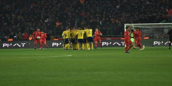 İsveç'e 1-0 yenilen Türkiye küme düştü