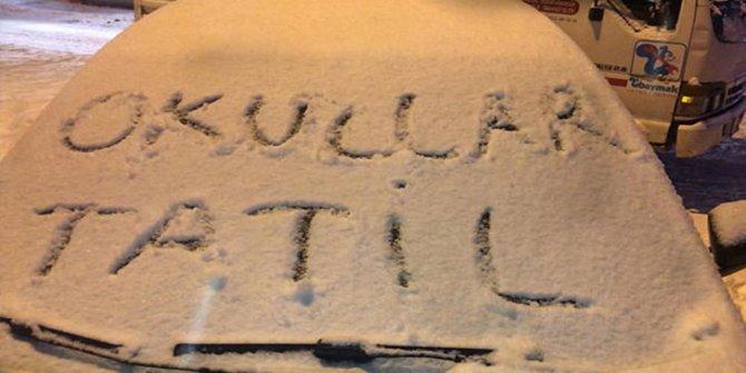 Yarın okullar tatil mi? 10 Ocak Perşembe okullarda kar tatili olan iller