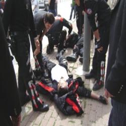 Eskişehir'de polis bıçaklandı