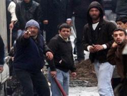 Göstericileri silahla dağıttılar !