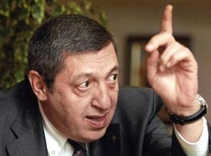 AKP'yi aç tavuğa benzetti!