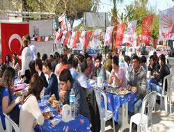 CHP'li gençler kahvaltıda buluştu