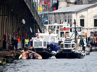 Köprüden uçan araç bulundu