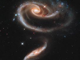 Hubble, uzayda 'Gül' görüntüledi