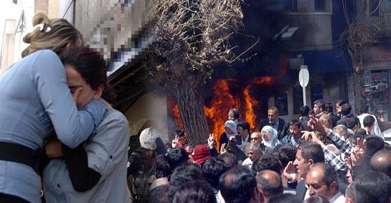 Güneydoğu'da göstericiler polisle çatıştı