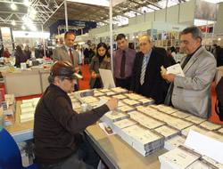 Yaşar Aksoy 40. yılı kitapla kutluyor