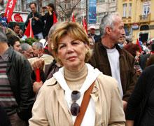 Çetin Doğan'ın eşi de Taksim'de