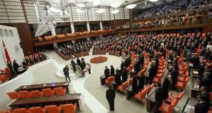 Meclis'e KHK çıkarma yetkisi verildi
