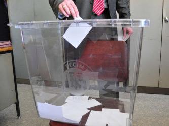 Seçimlerin ilk oyu kullanıldı