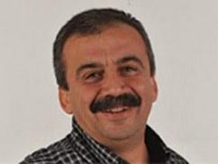 Bağımsız aday Demirel'i eleştirdi