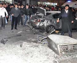 Hakkari'de bomba patladı
