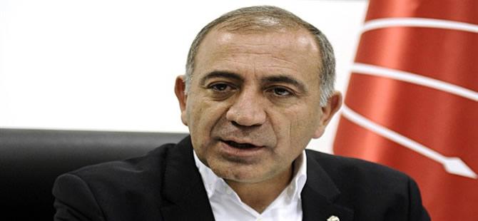 'Erdoğan'ın Davutoğlu'na fırçasını destekliyorum'