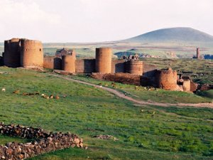 'Ani Harabeleri' olarak bilinen Ani Tarihi Kenti'nde hazırlık var!