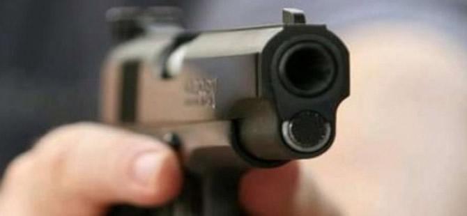 Kahvehanede silahlı çatışma: 2 ölü 3 yaralı