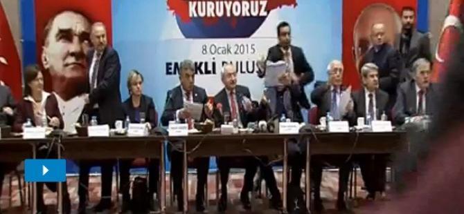 Kemal Kılıçdaroğlu'na ayakkabı fırlatıldı!