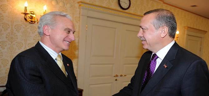 'Türkiye ile değerlerimiz değil, çıkarlarımız ortak'