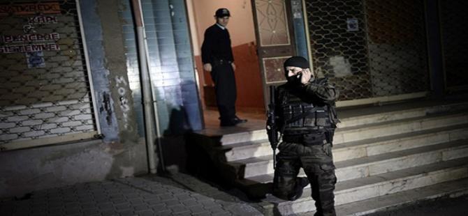 Talihsiz kadını özel harekat polisi kurtardı