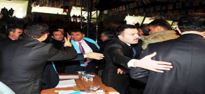 AKP İl Kongresinde kavga çıktı!