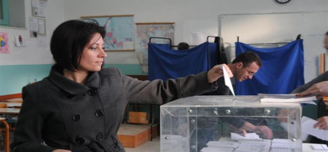 Yunanistan'daki seçimlerde SYRIZA önde