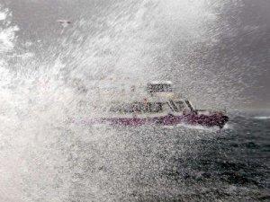 İstanbul'u lodos vurdu:Yüzlerce sefer iptal oldu
