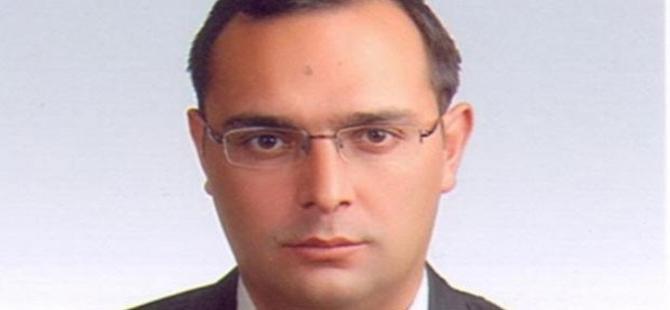 Cumhuriyet muhabiri evinde ölü bulundu