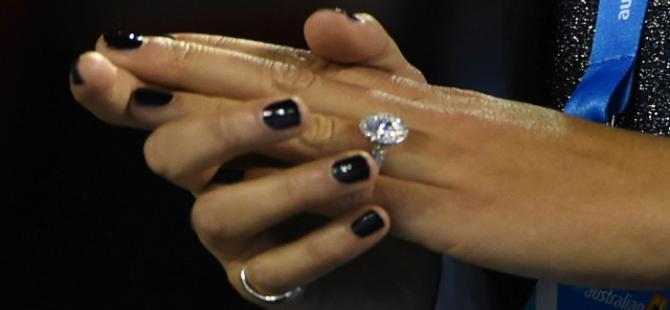 'İşaret parmağının boyu' eşe sadakati gösteriyor