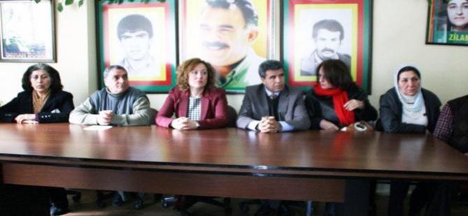 İzmir'de ''Öcalan'a özgürlük'' mitingi yasaklandı