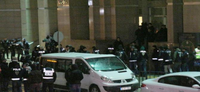21 polisten 17'si tutuklandı