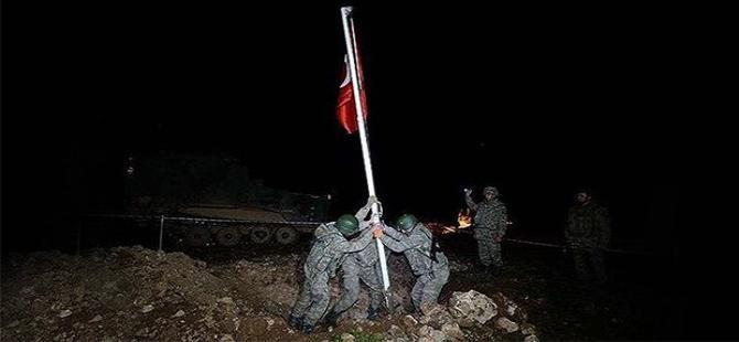 'Önce direk dikilir, sonra  bayrak törenle göndere çekilir'