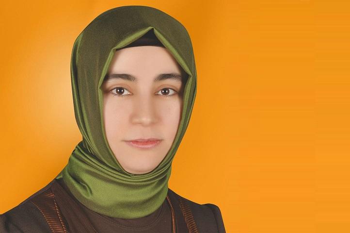 İstanbul'da Genç Bir Aday Öznur Altıntaş
