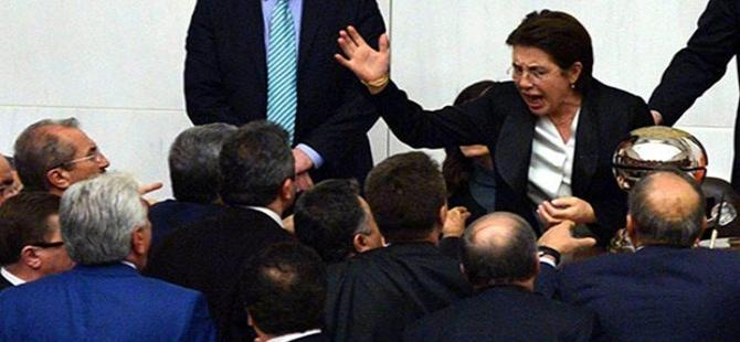 Ayşenur Bahçekapılı'nın ÇHD'den ihracı istendi