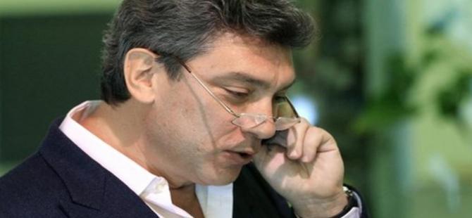Muhalif politikacı Moskova'da suikaste uğradı