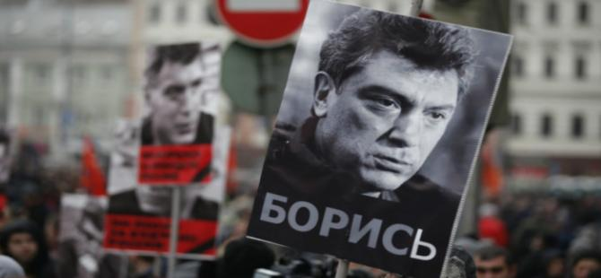 Moskova'da Nemtsov için yürüyüş