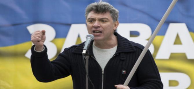 Rusya'da Nemtsov cinayetinde iki kişi tutuklandı