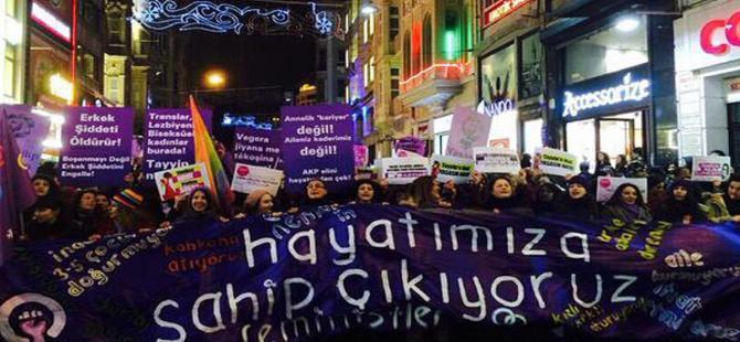 Taksim'de 13. ''Feminist Gece Yürüyüşü'' gerçekleştirildi