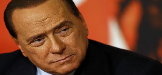 Berlusconi fuhuş davasında aklandı