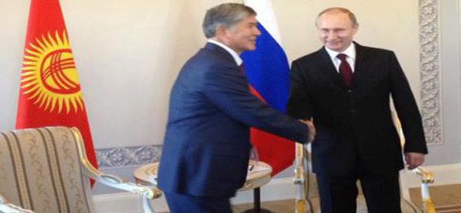 Vladimir Putin ortaya çıktı