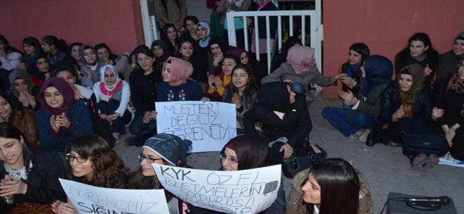 Şanlıurfa'da kız öğrencilerden yurt protestosu!