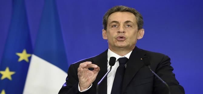Fransa'da seçimleri Sarkozy'nin partisi kazandı
