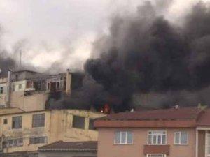 Kağıthane'de sucuk fabrikasında yangın