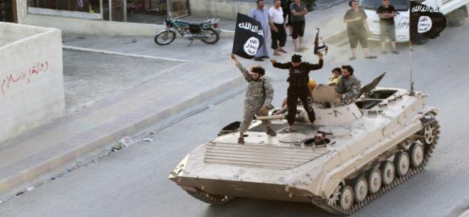 'IŞİD 81 yıllık kiliseyi havaya uçurdu'