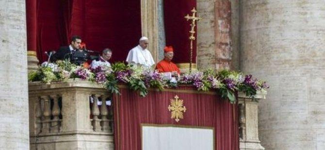 Papa: Ermenilere soykırım yapılmıştır